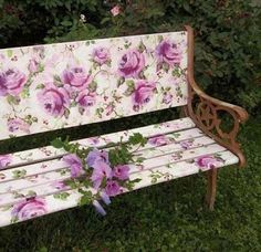 6 Fascinating Useful Tips: Shabby Chic Design Retro Style shabby chic dining to get.Shabby Chic Garden Thoughts shabby chic house dream homes.Shabby Chic House Dream Homes. Old Benches, Outdoor Benches, Garden Benches, Decoration Shabby, Rose Cottage, Shabby Cottage, Garden Furniture, Furniture Ideas, Outdoor Furniture