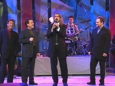Music video by Bill & Gloria Gaither performing Because He Lives (feat. Gaither Vocal Band) [Live].
