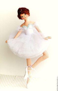 Купить Балерина - тряпиенсы, текстильная кукла, интерьерная кукла, балерина, ангел, белый, ручная работа Ballerina Doll, Ballet Art, Balerina, Crochet Dolls, Doll Patterns, Doll Clothes, Barbie, Disney Princess, Rag Doll Tutorial