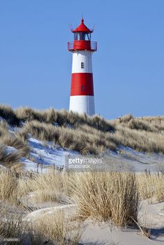 Lighthouse on Sylt island Lighthouse Painting, Lighthouse Pictures, Painted Driftwood, Beacon Of Light, Draw On Photos, Am Meer, Seascape Paintings, Island Lighting, Mountain Landscape