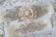 Rustikale Garter Set Elfenbein Hochzeit Strumpfband von OneFancyDay