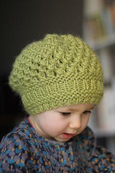 http://images4.ravelrycache.com/uploads/bloshka/125413825/IMG_7261_medium2.JPG Beret Enfant, Knit Or Crochet, Crochet For Kids, Crochet Baby Hats, Knitting For Kids, Baby Knitting Patterns, Knitting Projects, Crochet Patterns, Hat Patterns