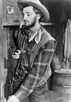 Robert Mitchum in Hoppy Serves a Writ, 1943.