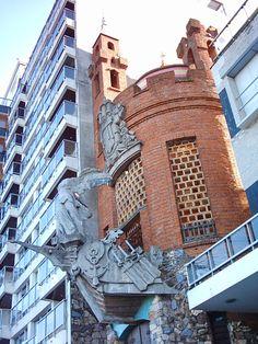 Uruguay - Montevideo - Pocitos -Castillo del alquimista Pittamiglio en la rambla Wilson