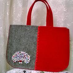 My Bags, Purses And Bags, Felt Patterns, Cute Bags, Diy Flowers, Lana, Felt Bags, Wraps, Pouch