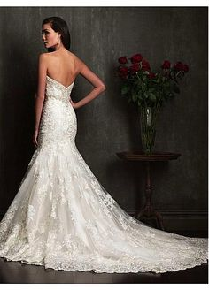 Elegant Tulle & Satin Sweetheart Neckline Trumpet Wedding Dress With Lace Appliques & Beadings