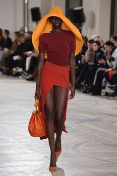 Jacquemus Autumn/Winter 2018 Ready-To-Wear Collection