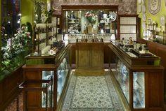 Diptyque flower window displays by Alexandre Roussard, Paris visual merchandising