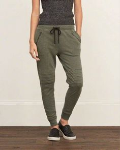 Sport Outfits, Casual Outfits, Cute Outfits, Fashion Outfits, Women's Casual, Fashion Weeks, Casual Wear, Look Girl, Joggers Womens
