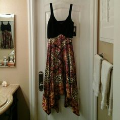 Dress SIGNATURE  BY Robbie Bee MULTI COLORED HANDKERCHIEF DRESS  NWT / SIZE 10 FITTED TOP /LOOSE BOTTOM  GREAT CONDITION  PERFECT FOR A NIGHT ON THE TOWN OR A WALK IN THE SAND! signature by Robbie Bee  Dresses High Low