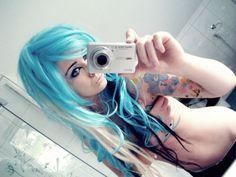 bibi barbaric emo scene girl blue turquoise hair style curly blonde black eyes make up piercings tattoo colorful cute kawaii sweet body