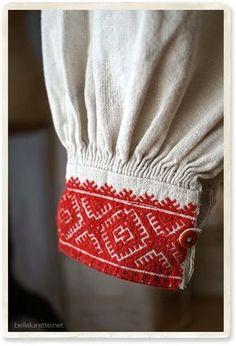 ルーマニア アンティークシャツ刺繍 - 【Belle Lurette】ヨーロッパ フランス アンティークレース リネン服の通販 Kurti Sleeves Design, Sleeves Designs For Dresses, Sleeve Designs, Blouse Designs, Cute Fashion, Vintage Fashion, Long Skirt Fashion, Kurti Patterns, Mexica