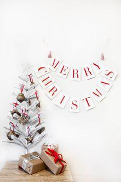 Merry Christmas Holiday Banner   Tuck & Bonte, via Etsy.