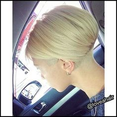 14.Short Blonde Hairstyle