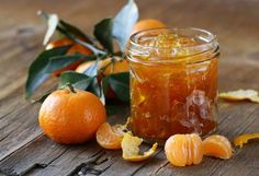 Homemade Honey Mandarin Marmalade is delicious! #orangemarmalade  #marmaladerecipe