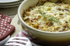 Whip Up a Quick and Comforting Dinner With a Chicken Potato Casserole Baked Corn Casserole, Lentil Casserole, Chicken Potato Casserole, Cabbage Casserole, Chicken Potatoes, Casserole Dishes, Chicken Bacon, Chicken Lentil, Hot Chicken Salads