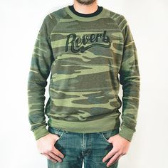 The camouflage crew neck is finally here - just in time for the holidays. It's that time of year for warmer clothes (at least here in Chicago). This sweatshirt lets you show your Reverb love even when the mercury drops. Since it's printed on soft eco-fleece fabric, you won't want to take it off (...