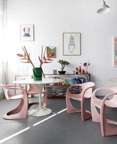 mesa tulipa, cadeira rosa