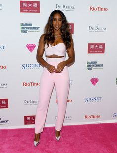 "PRETTY IN PINK: Kelly Rowland STUNS At The ""Diamonds In The Sky"" Event In Vegas"