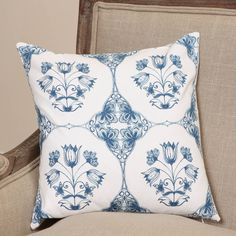 A reversible sofa cushion cover boasts an eye catching botanical print, making a decorative home Printed Cushions, Scatter Cushions, Cushions On Sofa, Pillows, Sofa Cushion Covers, Pillow Covers, Diy Artwork, Cleaning Walls, Custom Coasters