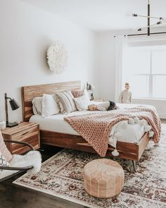 Bedroom Inspiration - Pursue your dreams of the perfect Scandinavian style home . Schlafzimmer Ins Small Master Bedroom, Master Bedroom Design, Bedroom Designs, Bedroom Styles, Farmhouse Bedroom Decor, Home Decor Bedroom, Bedroom Wall, Girls Bedroom, Bedroom Furniture