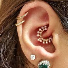 Pearl Coronet Ring || Shop this Instagram from @venusbymariatash || http://www.venusbymariatash.com/516-pearl-coronet-ring-earlobe.html?optionId=468