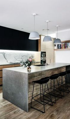 Home renovation & cabinetry design by Turner interior design – Photo by Carla At… - Home Decor Style 2019 Contemporary Kitchen Inspiration, Modern Kitchen Design, Kitchen Designs, Home Renovation, Look Urban Chic, Interior Design Photos, Interior Photo, Inside Design, Cool House Designs