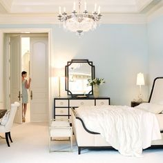 Create A Luxurious Hotel Style Bed