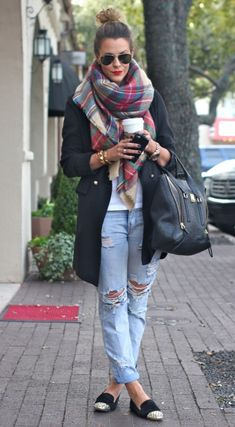 Love this look from Fashion Blogger Courtney Kerr #fashion #scarflove