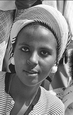 Vintage Somalia | Somalia had a good track record for educating women despite all its issues. That is the complicated thing about Somalia. There are so many sides to it, its sometimes hard to make sense of it all. We lost our way. Hopefully we can find a way back. #vintagesomalia