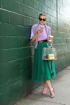 lilac & green // color combinations (Nordstrom cableknit sweater + Tibi pleated crop top + H&M pleated skirt + Schutz strappy sandals + Loeil 'besse' clear bag + Bauble Bar phone case + Saint Laurent sunnies) Fashion Mode, Look Fashion, Fashion Outfits, Womens Fashion, Green Fashion, Couture Fashion, Fashion Ideas, Fashion Trends, Green Pleated Skirt