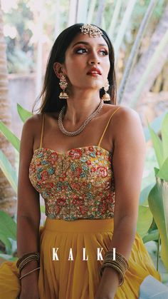 Paired with net strapless corset bustier with raw silk lining . Dress Indian Style, Indian Blouse, Indian Dresses, Indian Wedding Outfits, Indian Outfits, Indian Clothes, Lengha Dress, Lengha Choli, Strapless Corset