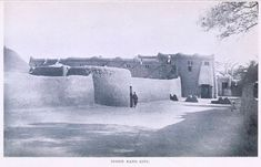 For sure, Sikasso, Kong, Salaga, Djado are just a few examples of prominent cities situated along trade routes. I also understand that the Songhai. Vintage Architecture, Vernacular Architecture, Classic Architecture, Ancient Architecture, African History, African Art, Black History Books, Castle House, Ivory Coast