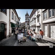 Feira de Artesanado, na Rua do Comércio. Street View aqui: Fotografia feita em…
