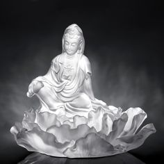 "Crystal Buddha Figurine (Bodhisattva, Mortal Smile) - ""A Smile For Serenity"""
