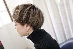 アッシュグレーでローライトグラデ 花井啓好 Bob Hair Color, Hair Color And Cut, Cool Short Hairstyles, Easy Hairstyles, Short Hair Cuts, Short Hair Styles, Short Pixie, Japanese Hairstyle, Grunge Hair