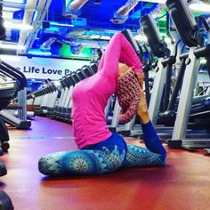Put your positve leggings on an be like them! #secondyou #yoga #fitness