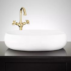 The Dionisio Oval Vessel Sink is made of porcelain to resist blemishes and fading. An emphasis on timelessness can be seen in this item?s design, allowing it to coordinate well with existing decor. Pair with a sleek faucet to complete the look. Modern Master Bathroom, Boho Bathroom, Bathroom Trends, Chic Bathrooms, Bathroom Styling, Small Bathroom, Bathroom Ideas, Classic Bathroom, Bathroom Designs