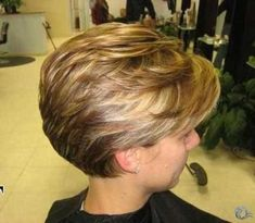 63 Flattering Bob Hairstyles on Older Women - Hairstyles Trends Stylish Short Haircuts, Short Shaggy Haircuts, Wedge Hairstyles, Cute Hairstyles For Short Hair, Older Women Hairstyles, Hairstyles Haircuts, Short Hair Styles, Short Grey Hair, Short Hair With Layers