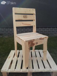 Upcycled Pallet Chair Pallet Benches, Pallet Chairs & Stools