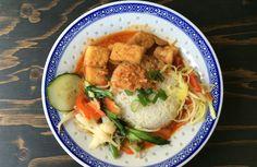 Rotes Curry mit TofuMittagsempfehlung: Der Asien-Shop in der Kölner Innenstadt Shops, Chicken, Meat, Food, Asia, Eat Lunch, Tents, Essen, Retail