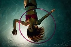 Ellen Kehoe takes her hoop beneath the surface in this stunning photo by Rebecca Meredith Photography. Hula Hooping, Dance Tips, Flow Arts, Aerial Arts, Beneath The Surface, Dance Photos, Pictures Of People, Indian Summer, Acro