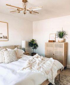 Room Ideas Bedroom, Home Bedroom, Bedroom Decor, Bedroom Inspo, Boho Chic Bedroom, Bedroom Signs, Bedroom Rustic, Bedroom Apartment, Design Bedroom