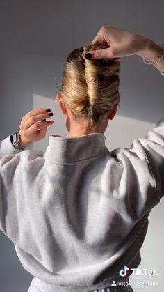 Claw Hair Clips, Hair Claw, Clip Hairstyles, Easy Hairstyles Thick Hair, Cute Medium Length Hairstyles, Medium Hair Styles, Curly Hair Styles, Hair Clip Styles, Long Thin Hair