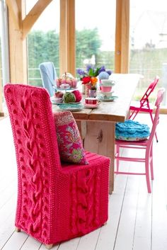 knitted chair cover. This is just awesome!