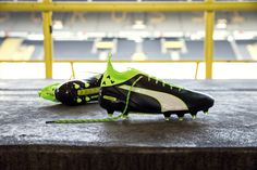 The totally new Puma evoTOUCH Football Boots are the first-ever Puma Boot to feature a high-angle collar concept. The Puma evoTOUCH Pro Cleat combines a Kangaroo leather upper with the high-cut design for a sock-like fit and ultimate ball control.