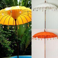 Wir lieben unsere Sonnenschirme aus Bali - jetzt auch erhältliche in unserem Online Shop: www.cachet.ch #sonnenschirm #bali #balifeeling #sunshine #holidays #cachet #cachetboutique #terrasse Sunshine Holidays, Shops, Outdoor Spaces, Outdoor Decor, Bali, Inspiration, Instagram Posts, Home Decor, Patio Sun Shades