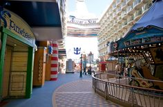RCCL Royal Caribbean Allure of the Seas cruise ship