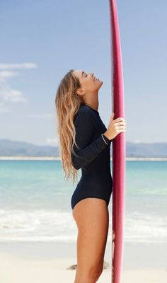 All smiles in Byron Bay POPsurf – Hobby Sports World Sup Yoga, Surfing Pictures, Comfortable Flats, Surf Girls, All Smiles, Surfs Up, Photo Instagram, Byron Bay, Beach Bum