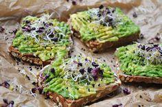 #avocado #toast #food #recipe #eatclean #vegan #recipeidea #avotoast #raw #food #germanblogger #rezept #dinnertime Raw Food, Vegan Food, Vegan Recipes, Avocado Toast, Foods, Breakfast, Stuffed Avocado, Meal, Vegane Rezepte
